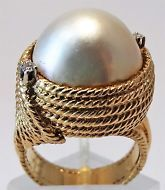 14ct Yellow Gold Vintage Mabe Pearl and Diamond ring
