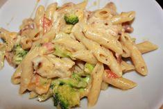 Kremete kylling, bacon og brokkoli pasta | Spiselise Food N, Good Food, Food And Drink, Pasta Recipes, Dinner Recipes, Norwegian Food, Pasta Dishes, Finger Foods, Food Inspiration