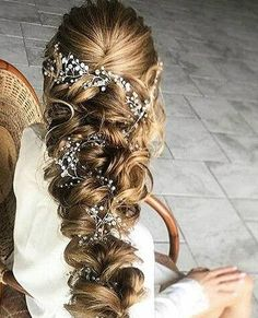 Crystal and Pearl hair vine, Babys breath hair piece, Wedding hair accessories, Wedding hair vine, Bridal hair vine, Bridal hair accessories Long vines in your hair. Flexible, tender branch will be a great accessory for your wedding or festive hairstyle. Made of crystal beads,