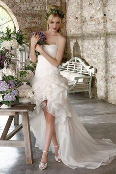 Abito da sposa corto Emé di Emé Atmosfere provenzali #matrimonio  www.matrimonio.it/collezioni/abiti_da_sposa/em_di_em/835/26__zoom?v=0#
