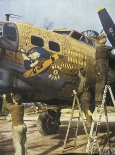 B 17, New Mods, Ww2 Planes, Nose Art, World War Two, Old Photos, Wwii, Hot Rods, Air Force