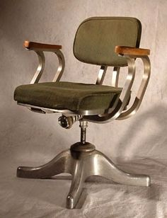 Cool Office Chairs of The Past: http://officefurnituredealsblog.blogspot.com/2014/10/7-cool-office-chairs-of-past.html