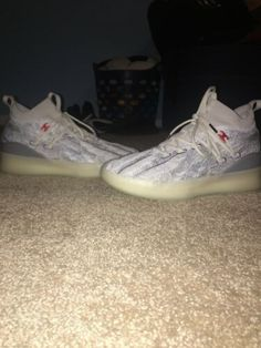 c1ebf69f6ca Details about Puma Clyde Court Disrupt Peace On Earth Mens Size US 10