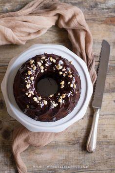 Torta al cioccolato all'olio extravergine con farina di farro e latte di…
