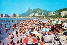 Rio de Janeiro dos anos 60 - Praia de Botafogo   https://www.facebook.com/Guarantiga/photos/a.490233921007939.115673.490210317676966/1086157761415549/?type=3&theater