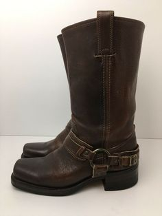 Frye Boots USA Brown Leather Square Toe Harness Biker With Buckle Womens Frye Boots, Biker Boots, Motorcycle Boots, Riding Boots, Suede Leather, Brown Leather, Hipster Stuff, St Kitts, Toe