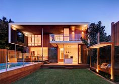 Contemporary Design Pool Home in Castlecrag Sydney, Australia