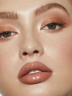 I'm the Catch | High Gloss | Kylie Cosmetics by Kylie Jenner Makeup Trends, Makeup Inspo, Makeup Inspiration, Makeup Tips, Makeup Ideas, Nude Makeup, Glam Makeup, Makeup Art, Hair Makeup