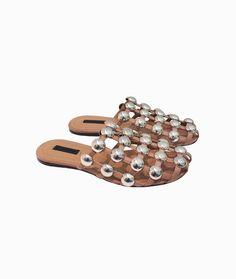 Amelia sandals by Alexander Wang #arropame #conceptstore #bilbao #ss2016 #AlexanderWang #fashion #shoponline #shopping #trendy #style #sandals http://arropame.com/las-sandalias-con-nombre-propio-de-alexander-wang/