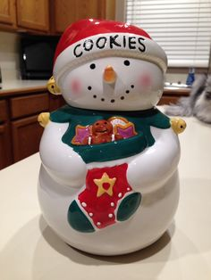 Christmas Cookie Jars, Snow Man, Cute Cookies, Cookie Cutters, Desserts, Fun, Collection, Chip Cookies, Boxes