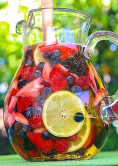 A sweet sparkling sangria loaded with luscious summer berries is the consummate summer cocktail. This recipe is so easy you will be making it all summer long. Add some berries to our MYX Redberries Sangria! Party Drinks, Cocktail Drinks, Fun Drinks, Yummy Drinks, Cocktail Recipes, Alcoholic Drinks, Beverages, Drink Recipes, Margarita Recipes
