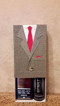Pin by Cursos Online on Cartonagem e Lembranças de Luxo Wedding Gift Wrapping, Creative Gift Wrapping, Creative Gifts, Wedding Gifts, Diy Gift Box, Diy Gifts, Tarjetas Diy, Gift Wraping, Gift Envelope