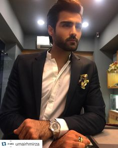 #Repost @umairhmirza  Another picture of #HasnainLehri at the opening of #movementspk at the #ThePlaceMall  #Karachi . #topmodel #malemodel #Roamer #mensfashion #luxurywatches #luxury #watches #fashion #lifestyle by walnutpk