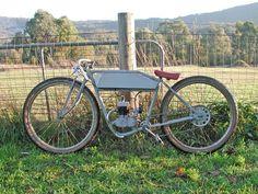 All picts via the brilliant Motored Bikes