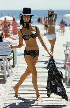 1stdibs | Mark Shaw - Black Polka Pot Bikini St. Tropez, 1961