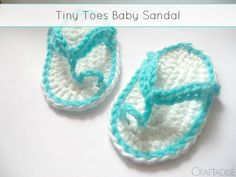 Tiny Toes Baby Sandal - Free Pattern by Made In Craftadise for The Stitchin' Mommy | www.thestitchinmommy.com