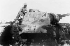 Panther Ausf D nr. 124 gets inspected by Russians who are eager to take note of the placements of hits to the side armor that knocked out this tank