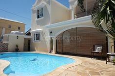 Maison/villa - 3 chambres - 214m²