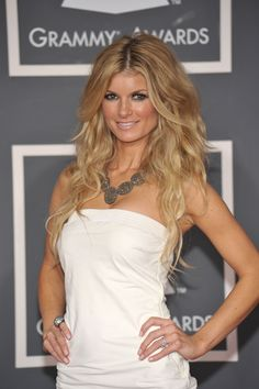 I love these neutral blonde waves on Marisa Miller. Beautiful Girl Body, Beautiful Gorgeous, Beautiful Women, Marisa Miller, Sienna Miller, Neutral Blonde, Blonde Waves, Pretty Females, Kendall Jenner Outfits
