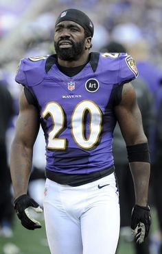 Safety Ed Reed walks on the sideline during the Ravens' Nov. 11 win over the Oakland Raiders in Baltimore.