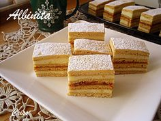 Sheet cake with honey (bee) - Photo Gallery Sweets Recipes, Cake Recipes, Desserts, Honey Bee Photos, Romanian Food, Romanian Recipes, Food Cakes, Amazing Cakes, Cornbread