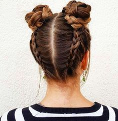 Simple and beautiful hairstyles for school every day - kurze frisuren - Hair Styles Hair Inspiration, Your Hair, Curly Hair Styles, Hair Styles With Buns, Cute Hair Styles Easy, Bun Styles, Hair Makeup, Hair Beauty, Braided Buns