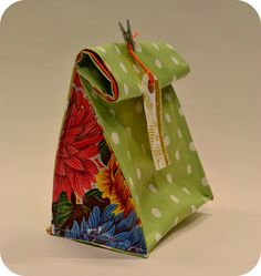 SW Craft Club: Oilcloth Lunch Bag Tutorial