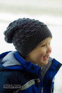 A slouch beanie for toddlers! Keep them warm and fashionable! -Pattern by Bowtykes