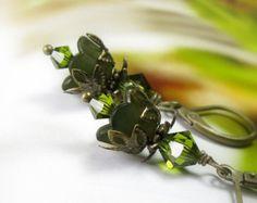 Ohrringe, Vintage-Stil olivgrün Swarovski Lucite Ohrringe, Olivin-Schmuck, botanische Waldland Geschenk Schmuck Geschenk-Ideen