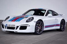 #Porsche 911 S Martini Racing Edition - Celebra il mito della 24 ore di Le Mans, Limited Edition da 80 esemplari  http://www.auto.it/2014/06/10/porsche-911-s-martini-racing-edition/22499/
