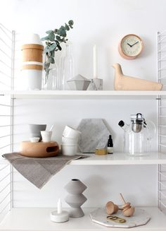 What is on your shelf? 2. Natural and chic items on your shelf #rooming #string #holmegaard #lemnos #vitra #vipp #menu #vaxbolin #fermliving #eno #seletti #fortstandard #hay