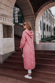Excited to share this item from my shop: Knitted wool Pink coat Oversized hooded coat Big yarn Knit coat Knitted cardigan Cozy cardigan Women's coat Merino wool coat Long warm coat Cardigan Retro, Oversized Cardigan, Knit Cardigan, Plus Size Cardigans, Cardigans For Women, Coats For Women, Knitted Jackets Women, Bolero, Chic