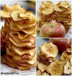 Elles sont minces et nutritives, les chips de pommes ! Vous devez absolument vous procurer une mandoline si vous n'avez pas ce petit bijou dans vos outils de cuisine. Les tranches de pommes doivent être très minces. Idéale pour une fringale ! Cuites