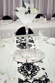 46 Cool Black And White Wedding Centerpieces | HappyWedd.com