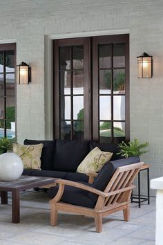 Hinkley Lighting carries many Museum Bronze Ledgewood Exterior Wall Mount light fixtures that can be used to enhance the appearance and lighting of any home. Modern Outdoor Wall Lighting, Outdoor Wall Lamps, Outdoor Light Fixtures, Patio Lighting, Outdoor Walls, Outdoor Chairs, Outdoor Furniture Sets, Exterior Lighting, Lighting Ideas