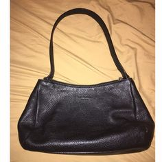 """Authentic Kate Spade pebbled leather shoulder bag Excellent pre-loved condition! No wear noted on corners at all. 12"""" x 7"""" x 3"""". No dust bag. ✅offers❌trades/PPbundles save 20% off 2+ kate spade Bags Shoulder Bags"""