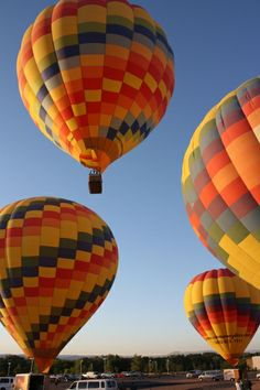 """Rainbow Ryders promises to provide the """"Experience of a Lifetime Happening Right Now"""" with every balloon ride."""