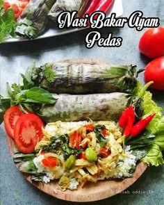 Resep nasi bakar spesial © 2020 Instagram/@dewi.yuliana23 ; Instagram/@laila_umi Snack Recipes, Cooking Recipes, Snacks, Nasi Bakar, Indonesian Food, Indonesian Recipes, Malaysian Food, Cafe Food, Baked Potato