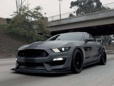 Neuer Ford Mustang, Ford Mustang Shelby Gt500, Mustang Cobra, Pink Mustang, Mustang Gt 350, Cool Sports Cars, Sport Cars, Cool Cars, Lux Cars