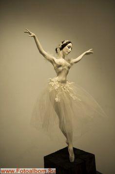 Sculpture Art, Sculptures, Memes Arte, Enchanted Doll, Ballerina Doll, Ballet Photography, Dance Art, Ooak Dolls, Ball Jointed Dolls