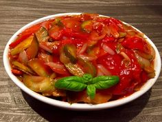 Ratatouille, Thai Red Curry, Food And Drink, Vegetarian, Lunch, Stuffed Peppers, Vegetables, Blog, Cooking