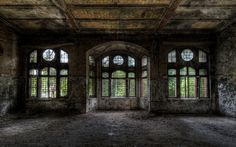 Inside Old Abandoned Mansions | ... Download Wallpapers Mansi N Old House Windows The Past Miscellanea