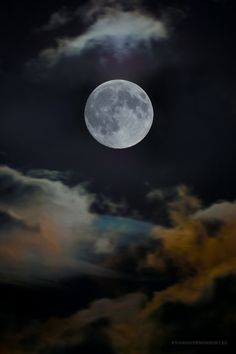 Moon by Richard Cernohorsky on 500px