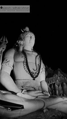 Shiva statue in Shiv Mandir-Bangalore-Kemp fort by me_sajeesh, via Flickr