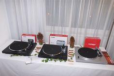 Vinyl ist auch hier zu sehen... Vinyl, Turntable, Music Instruments, Archive, Record Player, Musical Instruments