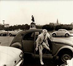 Günter Brus: Wiener Spaziergang, 5. Juli 1965© BRUSEUM / Neue Galerie Graz, Universalmuseum Johanneum; Foto: Ludwig Hoffenreich