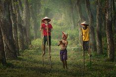 Learning stilts: Photo by Photographer Rarindra Prakarsa - photo.net