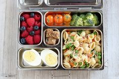 Healthy Lunch Ideas for Adults and Kids - No heating or microwave needed; everything canbe served chilled or at room temperature. Usemy printable recipe list to mix and match hundreds of lunch combinations. #lunchideas #healthy #lunches #packedlunch #kidslunch #healthyfood