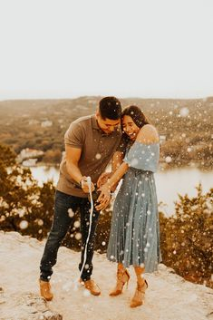 Mount Bonnell Engagement Photos in Austin, TX - Meg Amorette Photography