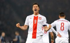 LEWANDOWSKI IS THE BEST STRIKER IN THE WORLD TODAY? Read More Here : http://www.korsamnang.com/2015/10/09/lewandowski-is-the-best-striker-in-the-world-today/